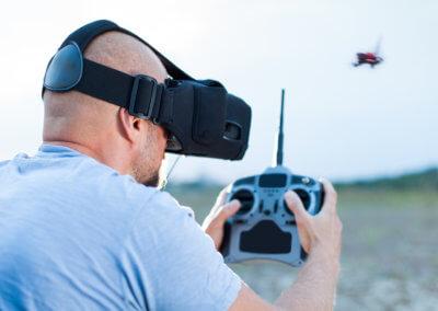 Télépilote de drone FPV / en immersion cinématographique